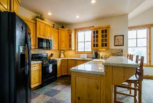 Park City Vacation Condo - Kitchen