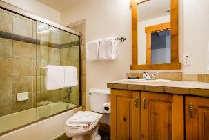 Park City Vacation Condo - Full bathroom