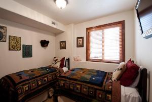 Park City Vacation Rentals - 4th Bedroom with 2 Twin Beds