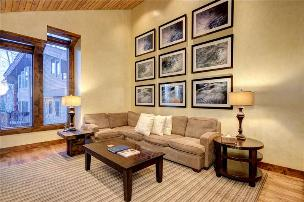 Park City Vacation Rentals - Living Room w/ Mountain View